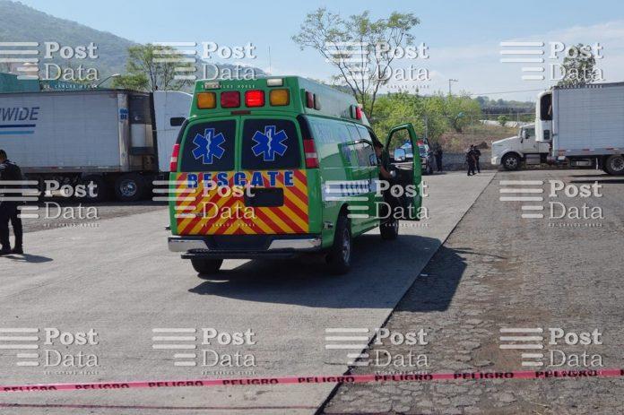 Asesinan a dos cargadores en el Mercado de Abastos de Canindo