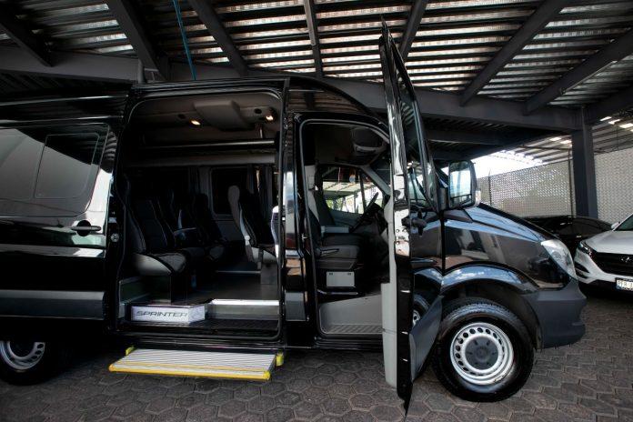 Tribunal administrativo subastará vehículos de lujo