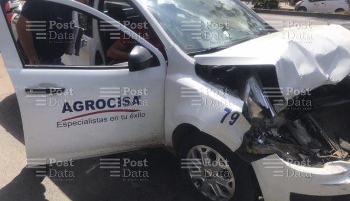 Tres vehículos, entre ellos un camión del transporte público, protagonizaron un aparatoso choque sobre la avenida Madero Poniente de Morelia